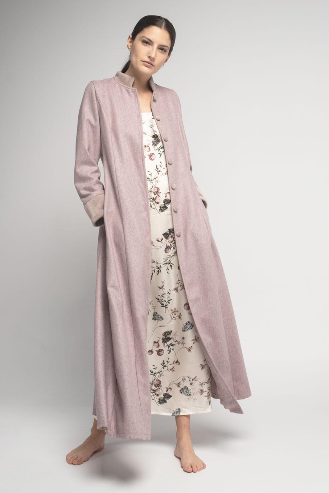 Conjunto bata de lana rosa