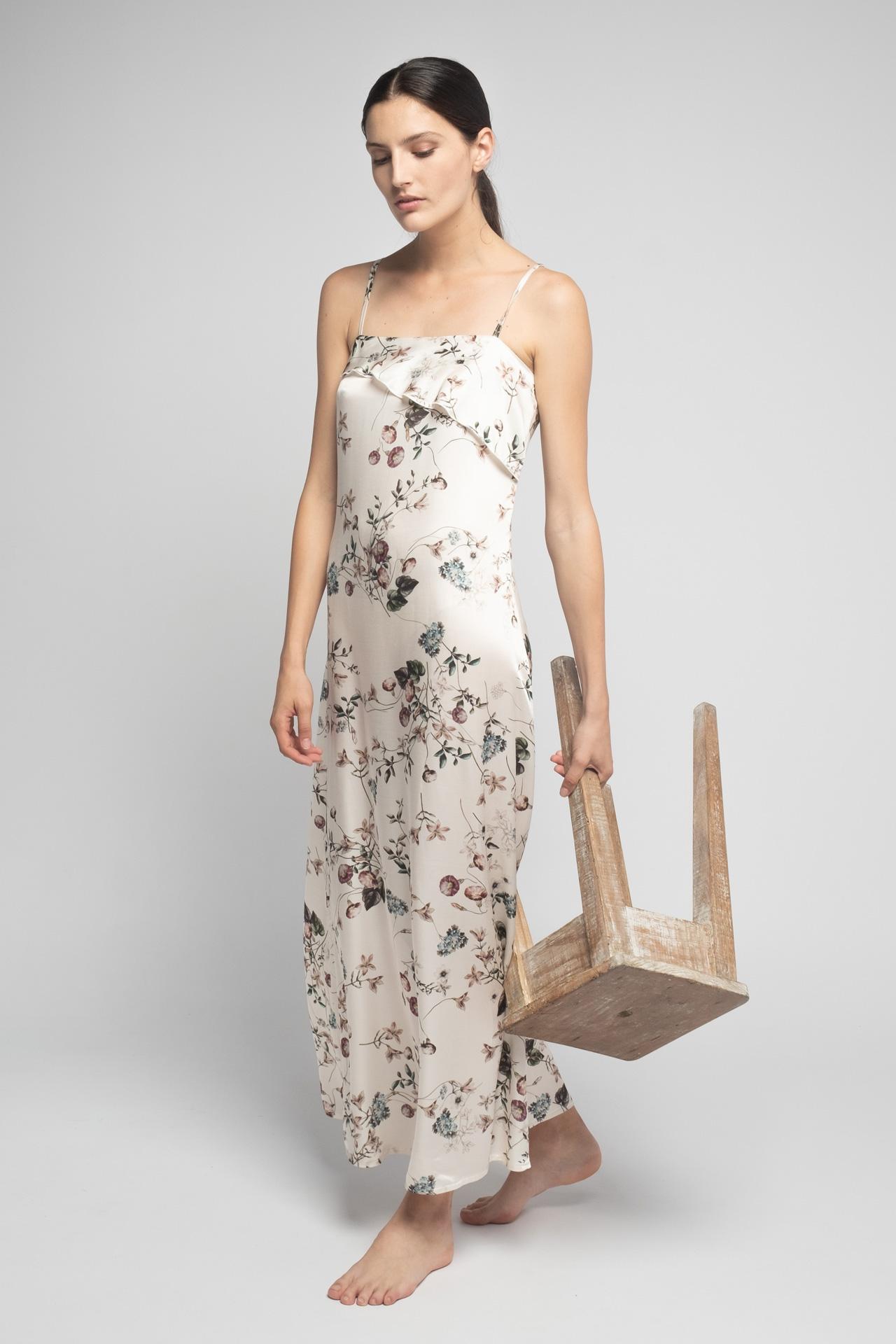 camisón de flores blanco roto