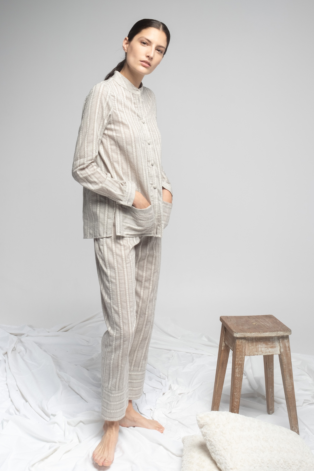 Pijama gris