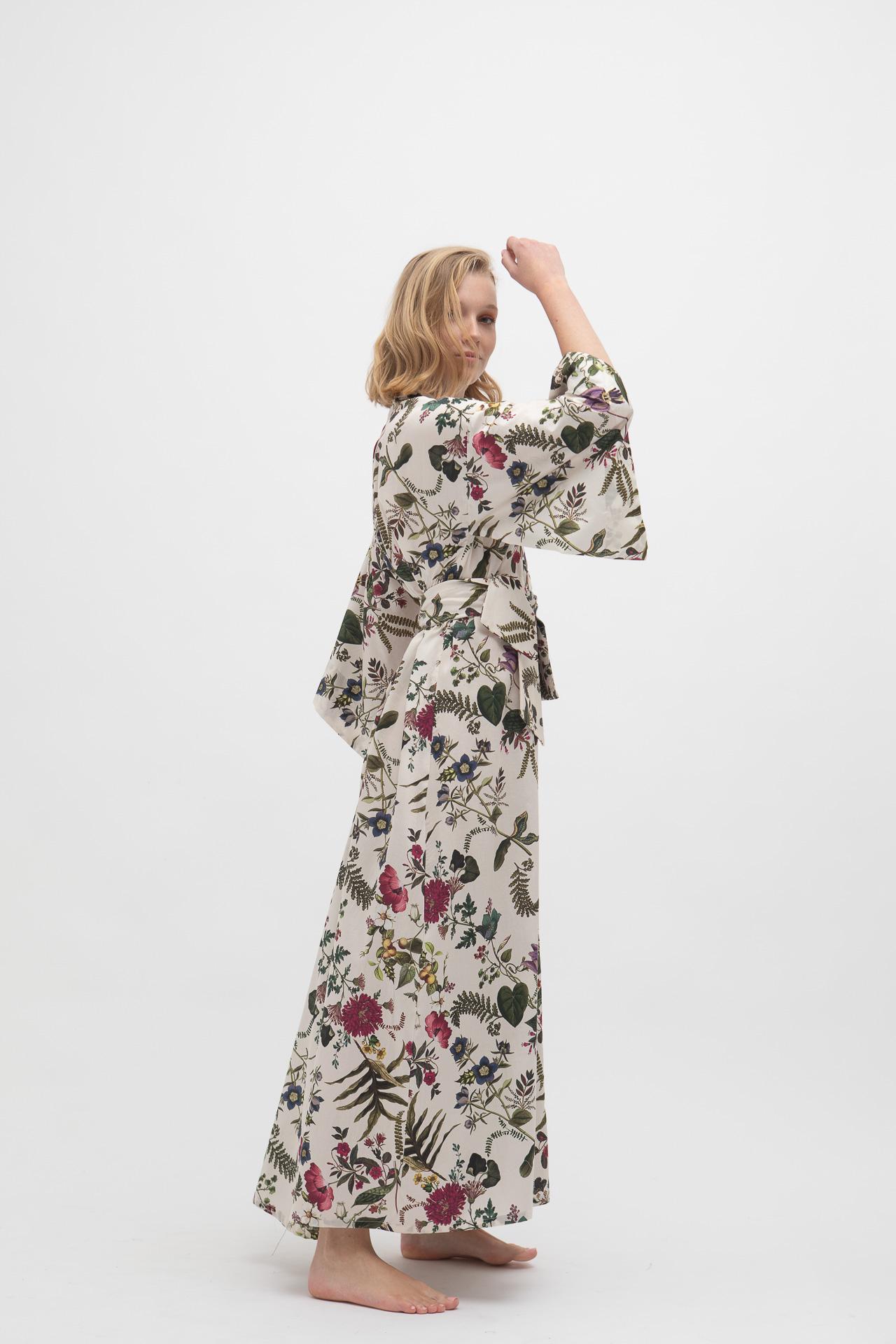 kimono de flores blanco